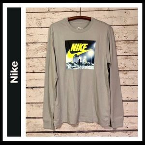 Nike Long Sleeve Graphic T-shirt